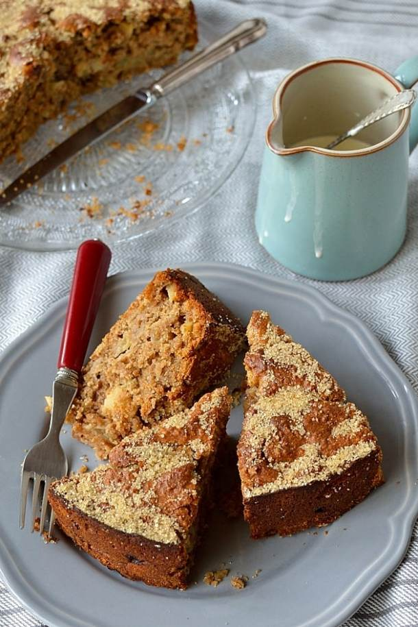 Simple, easy to make, wholemeal spiced apple cake