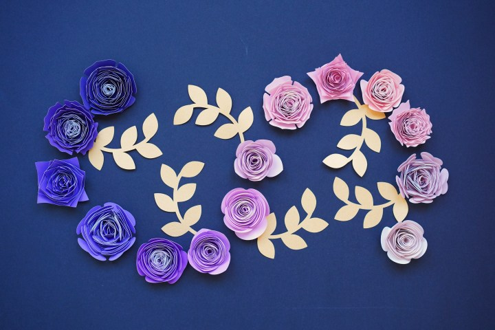 14 Deluxe Rolled Flower Set – Free Templates Included