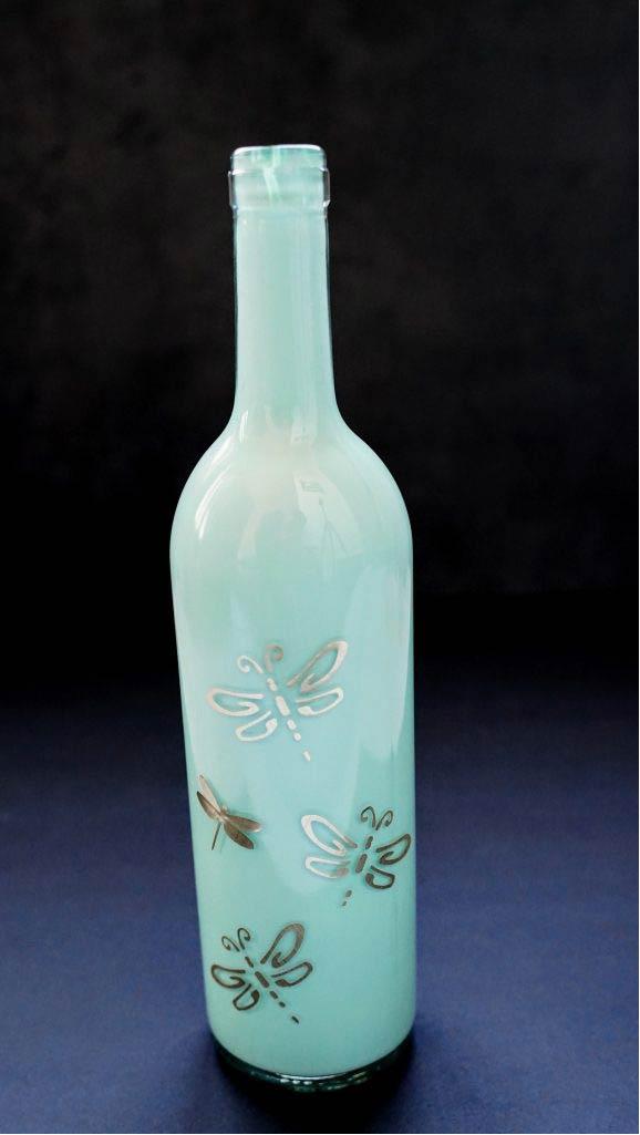 painting wine bottles