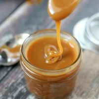 Easy Caramel Sauce (3 ingredients)