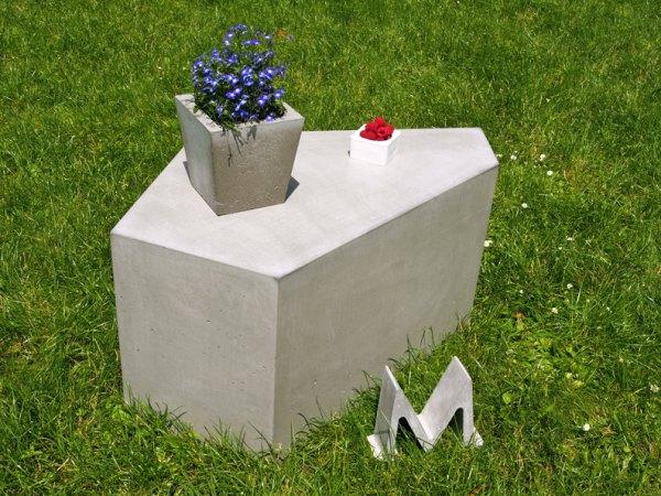 betonowy_stolik_pentagon_1