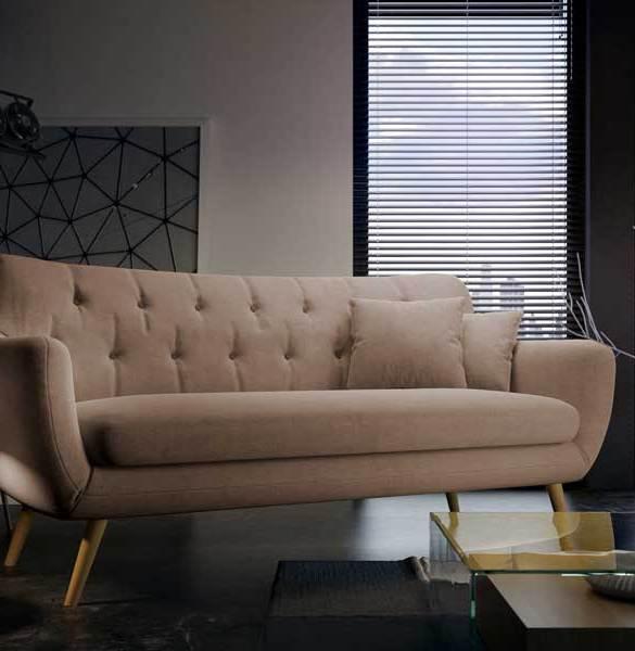 beżowa sofa pikowana