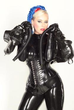 Dubai Mistress Jess