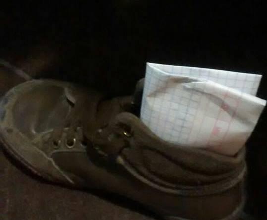 La ilusión y la confianza puesta en un zapato. ¡La cara de la inocencia! #D7 ¡Ya listos para los Reyes Magos!