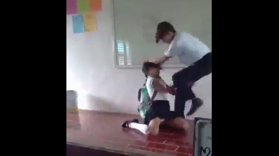 SUSPENDEN A ESTUDIANTE QUE AGREDIÓ A ALUMNA EN QUINTANA ROO (VIDEO)