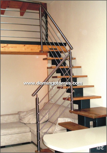 Baranda moderna de acero inoxidable N2124 en escalera de