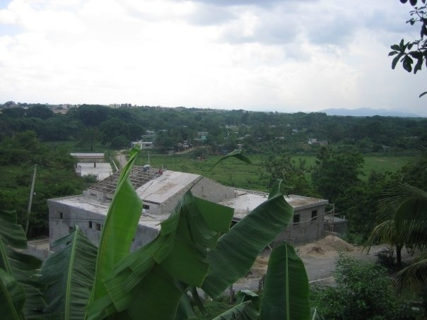View from Altos over the Canyada to Esfuerzo de Paraiso