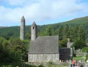 800px-Glendalough_monastery