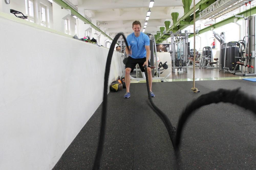 Jan Rosenthal beim Rope Training im HAW Fitnessstudio Hamburg