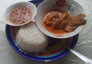 more rice with fish and sauce...