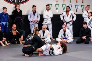 Claudia Do Val shows De La Riva Sweep