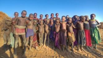 Village dessanech, Vallée de l'Omo, sud de l'Éthiopie.