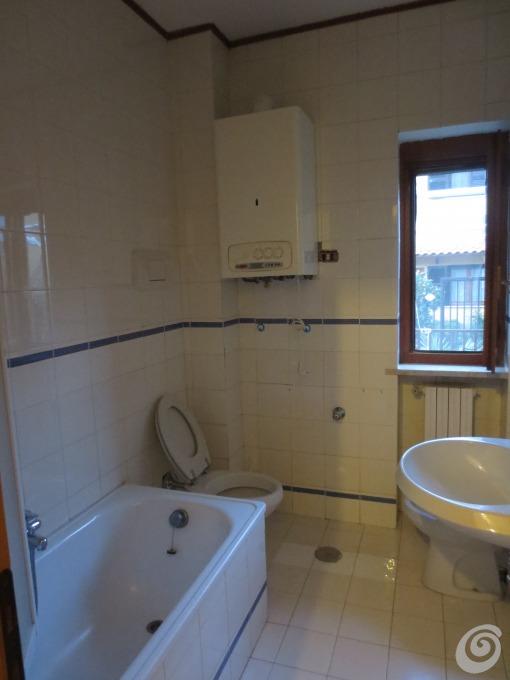 Idee per ristrutturare un bagno piccolo ma completo  Casa