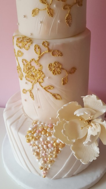 Embroidery Gold Cake