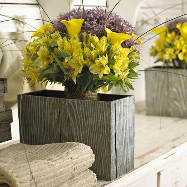 Цветы в интерьере: розы, ромашки, незабудки