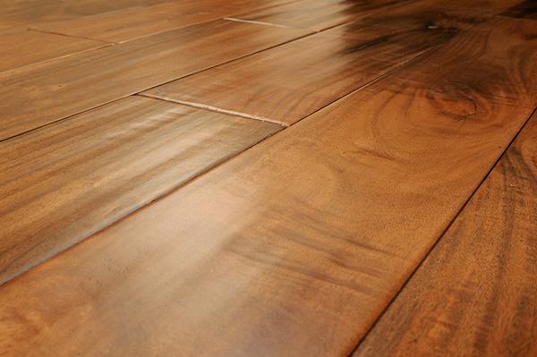 Укладка деревянного пола: инструменты и процесс укладки