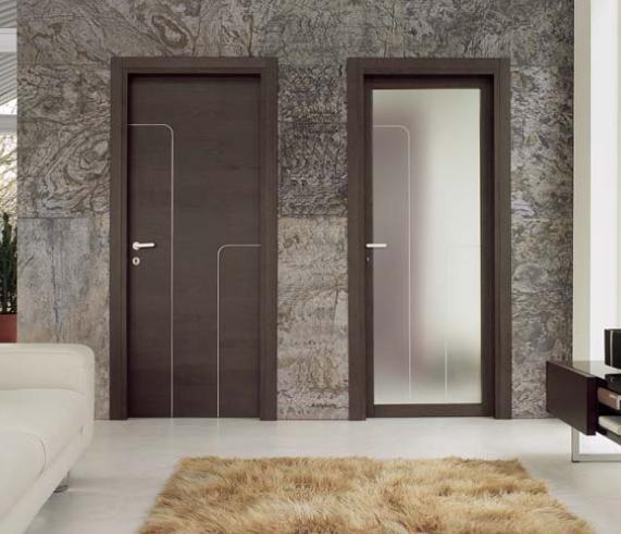 Межкомнатные двери из металла и пластика