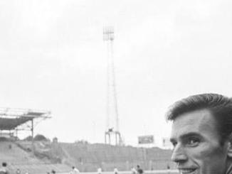 Former Leeds United and Middlesbrough striker Alan Peacock diagnosed with dementia and Alzheimer's.