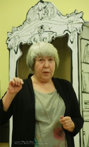 Поэт Ирина Моисеева, член Союза Писателей СССР (России) с 1989 года. Публикации в периодической печати – с 1980 года. Автор трех книг стихов и одной книги прозы. Преподаватель Академии государственной службы.