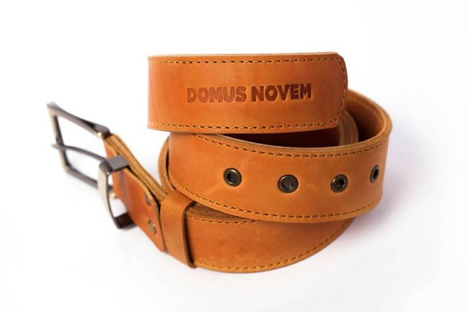 Utopian leather belt