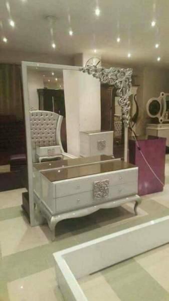 تسريحة غرفة نوم الملكة مودرن بيضاء