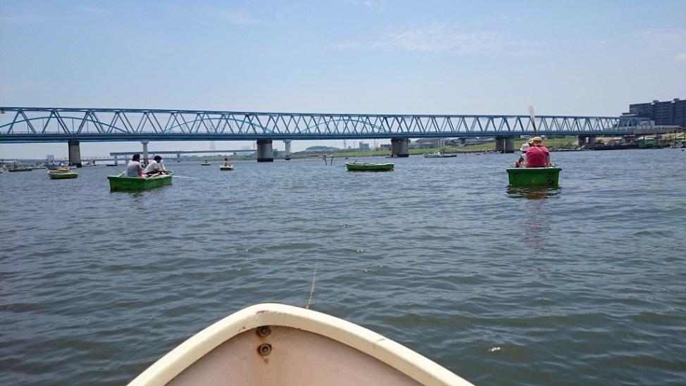 江戸川放水路のボートでのハゼ釣り