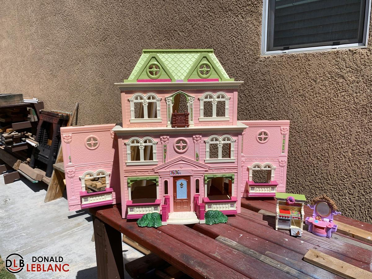 I'm building another spooky dollhouse – update #1