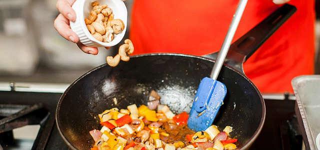 Passo a Passo para fazer  Moqueca Vegetariana com Castanha, Caju e Palmito Pupunha