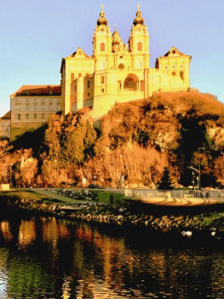 Melk jest wymieniony po raz pierwszy w 831 roku. Melk jest również wspomniany w Nibelungenlied w średnio wysokim niemieckim jako medelike. Od 976 r. Zamek służył jako rezydencja Leopolda I. W 1089 r. Zamek został benedyktyńskimi mnichami z Lambach. Do dziś mnisi żyją zgodnie z regułą św. Benedykt w opactwie Melk. Od XII wieku istnieje także szkoła związana z klasztorem. Cenne rękopisy zostały zebrane i wykonane w bibliotece. Po kościele biblioteka jest drugim najważniejszym w kolejności sal klasztoru benedyktynów. W XV wieku opactwo było punktem wyjścia do jednej z najważniejszych reform średniowiecznego klasztoru i było ściśle związane z humanistami na Uniwersytecie Wiedeńskim.