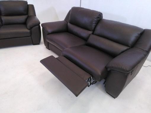 Sistema relax de sofá de tres plazas. Conjunto de sofás relax de piel natural de color marrón- Leon