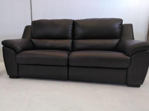 Sofá de 3 plazas. Conjunto de sofás relax de piel natural de color marrón- Leon