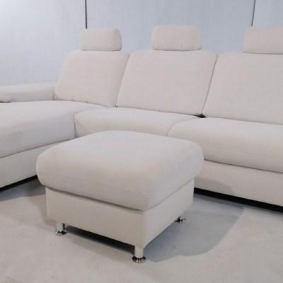 Sofá con chaise longue más puf - Lucia