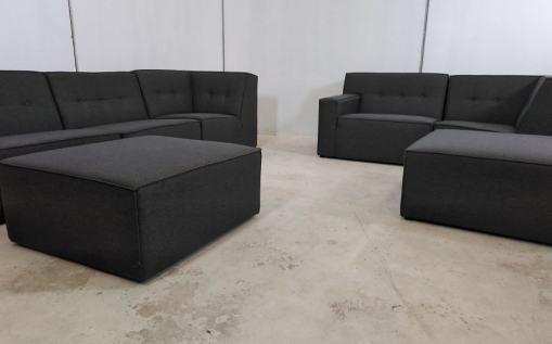 Conjunto grande de sofás modulares de color gris - 3 y 2 plazas más 2 pufs – Modules