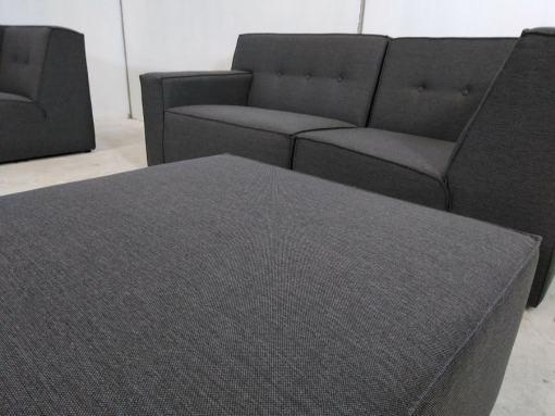 Puf. Conjunto grande de sofás modulares de 3 y 2 plazas más 2 pufs – Modules