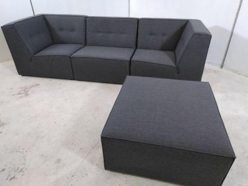 Sofá modular de 3 plazas de color gris más puf - Modules