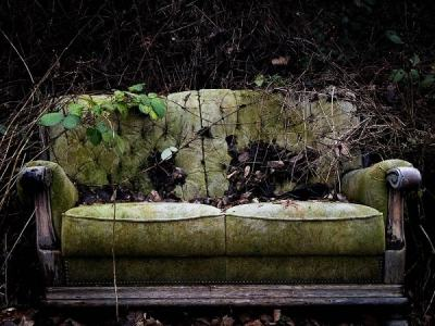 Вынос и утилизация диванов и старой мебели