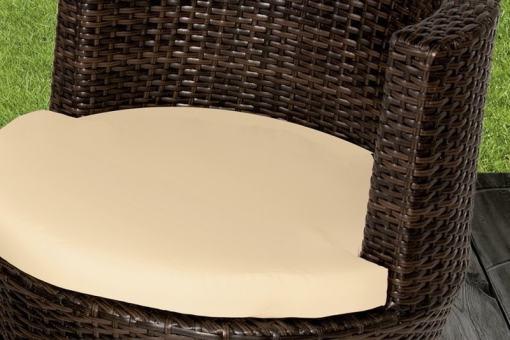 Cojines de asientos desenfundables incluidos. Conjunto de jardín modelo Marzo