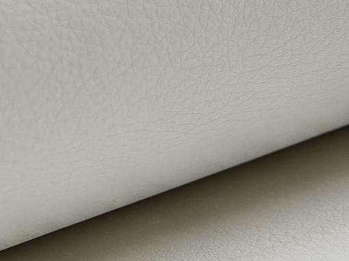 Piel sintética de color blanco del sofá 8 plazas modelo Chessy