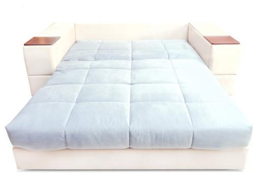 Modo cama. Sofá modelo Bern. Tela azul claro, tela beige