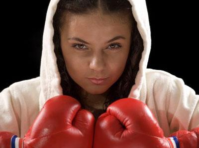 На грядущей летней Олимпиаде в Лондоне представительницы прекрасного пола впервые получат возможность боксировать.