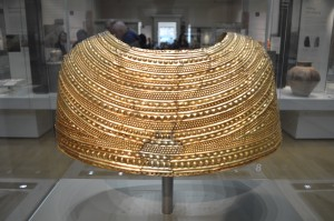 Mold Gold Cape