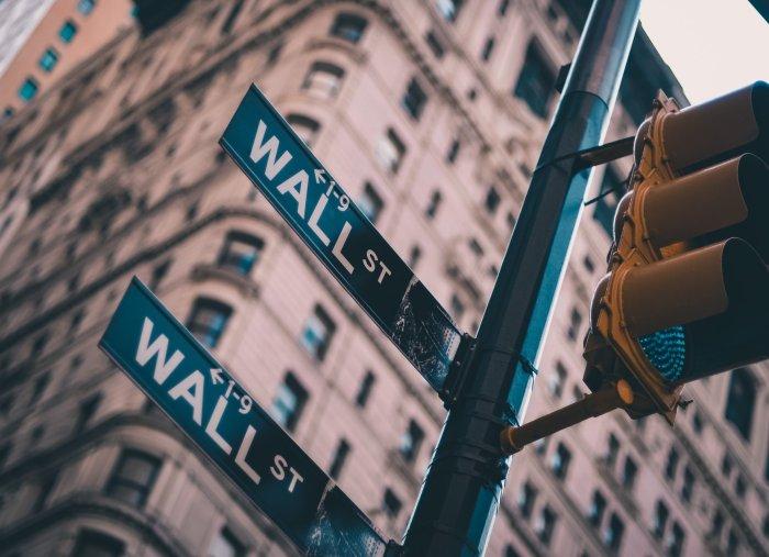 Wall Street Approach vs Academic Approach