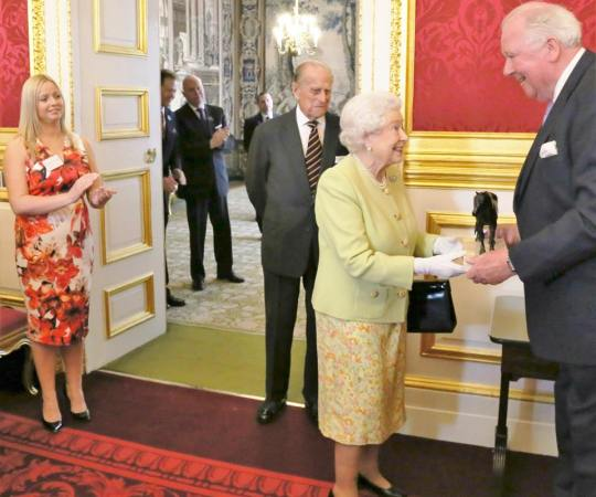 Donny artist commissoned birthday present for the Queen