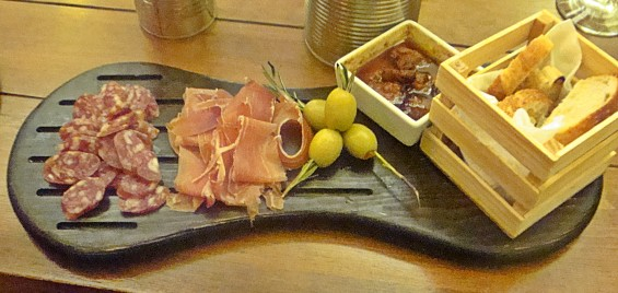What San Miguel needs is a good tapas bar. Oops, they already have one.