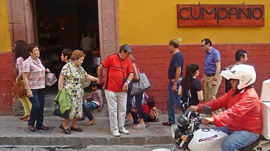 cumpanio corner