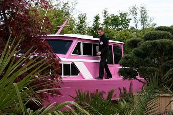 pink-boat-bloom phoenix park
