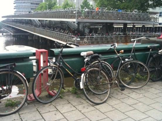 multi story bike park amsterdam