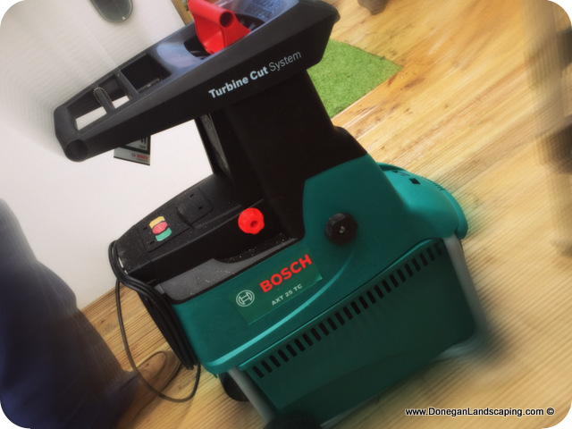 review bosch axt 25tc garden shredder peter donegan landscaping ltd dublin. Black Bedroom Furniture Sets. Home Design Ideas
