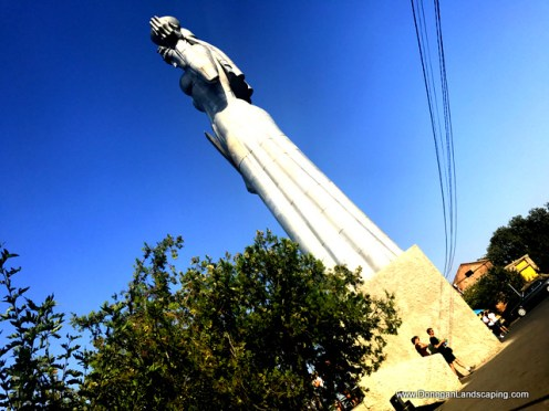 monument of mother of georgians (4)