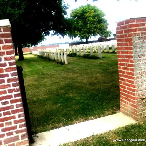 CWGC cemetery, Somme (3)